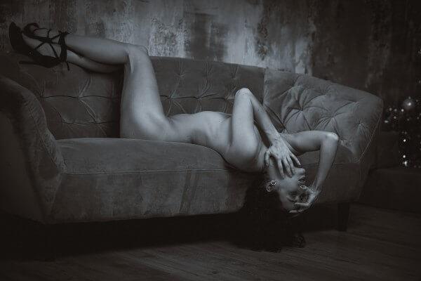 Művészi portré kép készítés - fekvő akt- Hodos Alex - pixLX