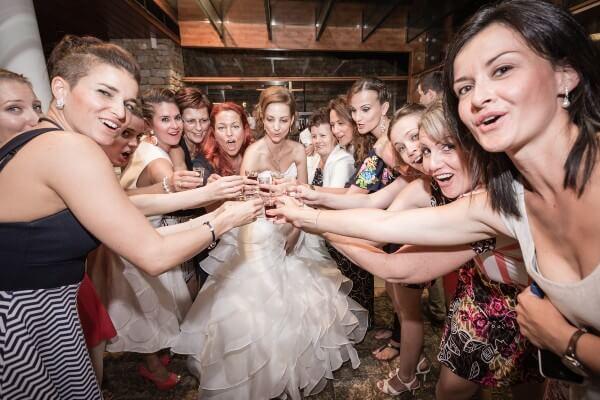 Esküvőfotózás buli kép1 -pixLX